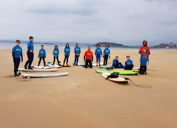 Las Escuelas municipales de Surf y ...
