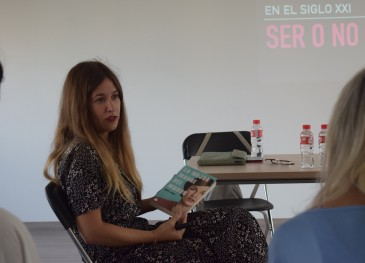 La periodista y escritora Nuria Labari ...
